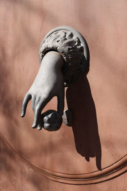 Charmant Hand Door Knocker