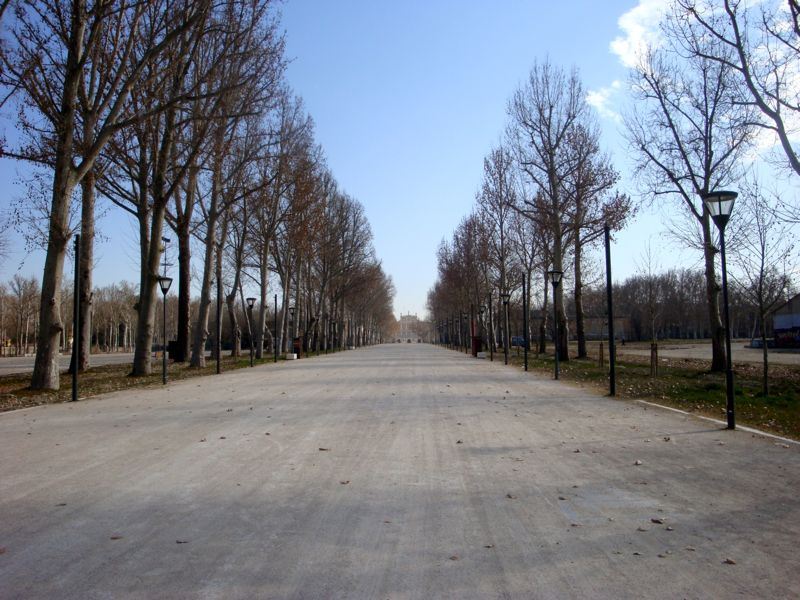 Aranjuez Spain Long Road to Palace