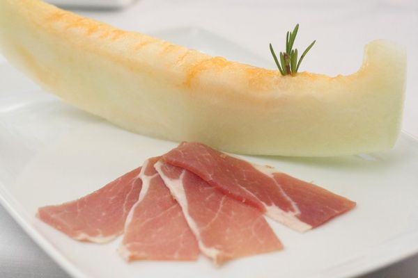 Melon and cured ham