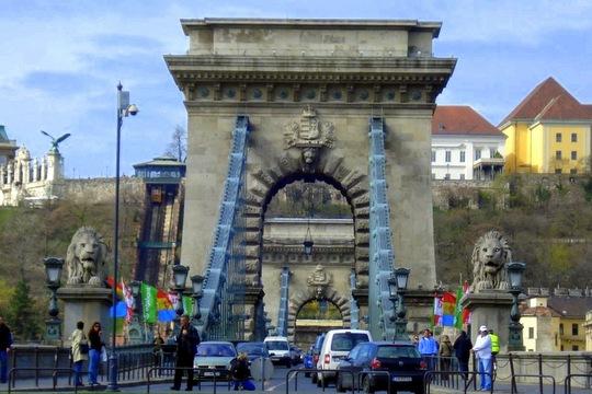 Budapest Brige
