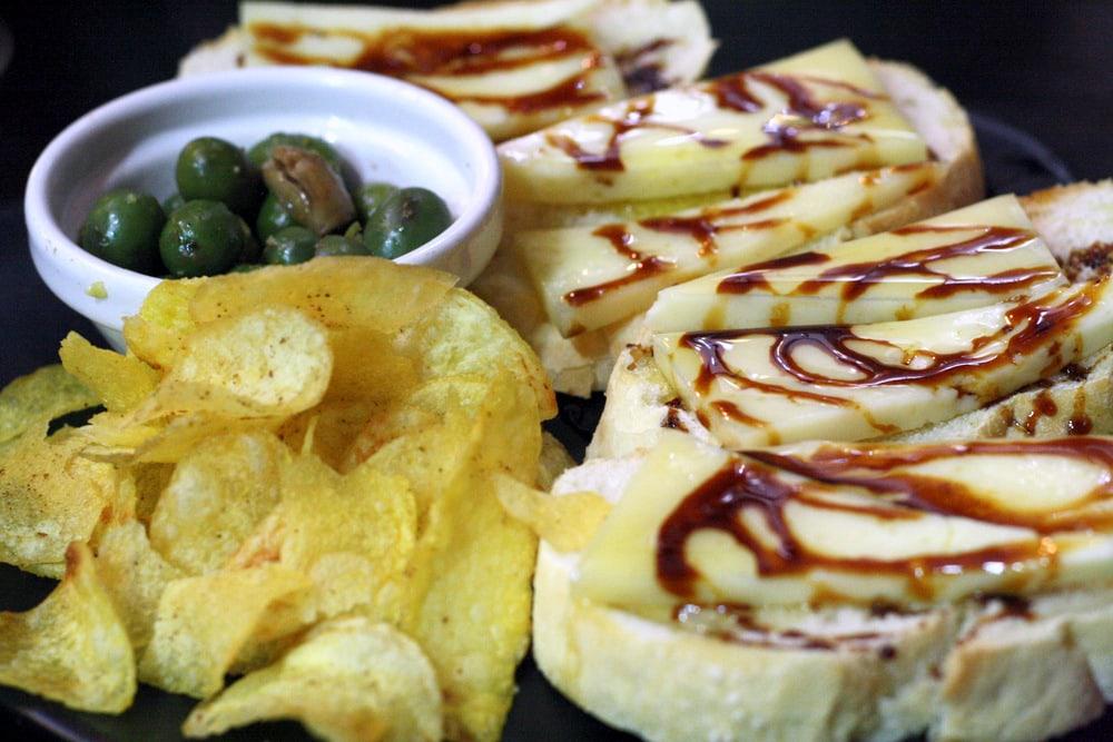 Free cheese tapas in Granada, Spain.