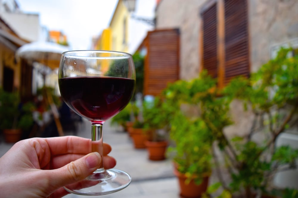 A key to the Mediterranean Diet in Spain: red wine!