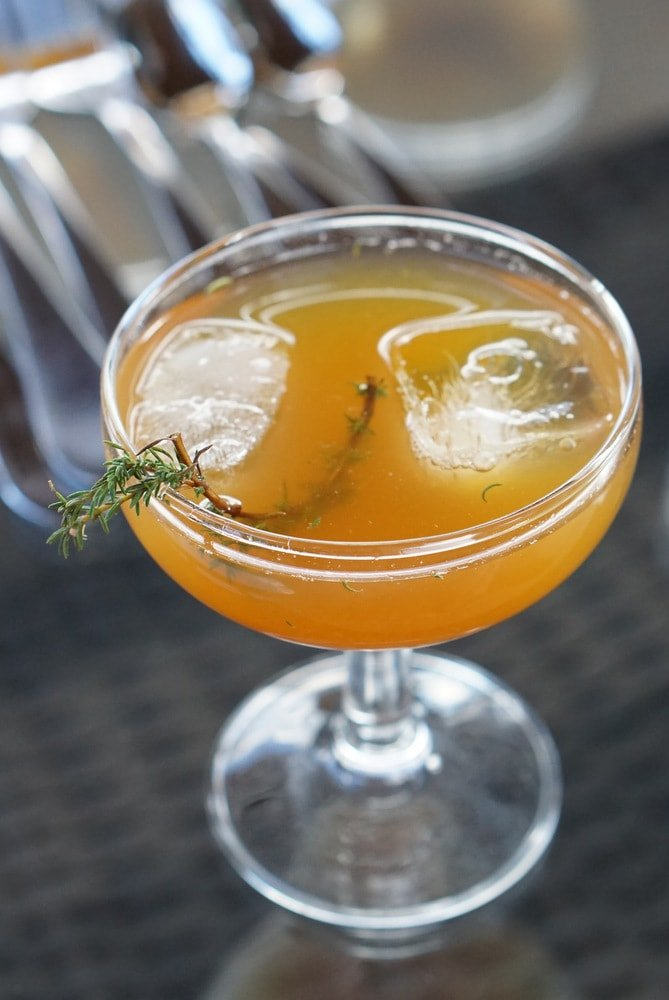 Tea Thyme cocktail recipe. Iced tea, local honey vodka and thyme!