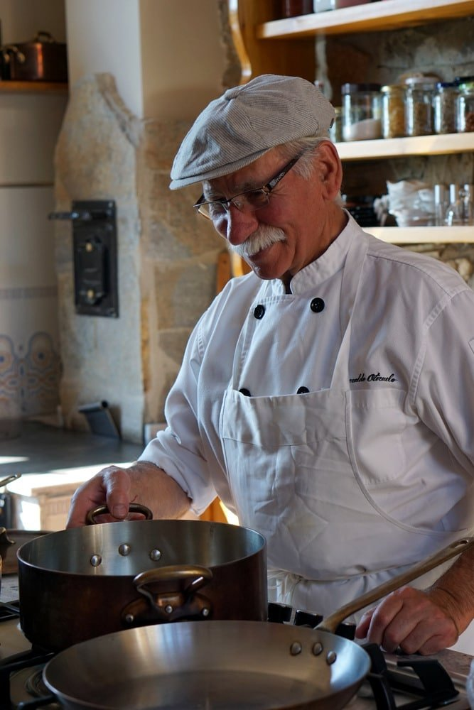 Esmeraldo of Esme Tours cooking classes in Spain