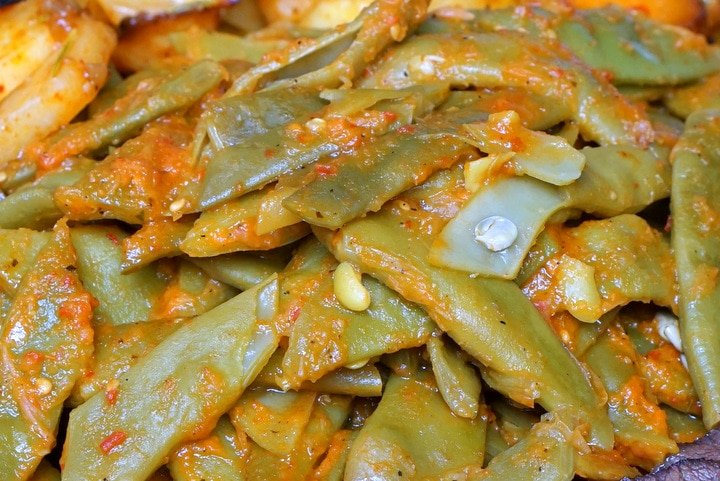 Delicious Spanish green beans with tomato., one of the best fall foods in Spain!