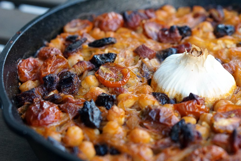 Get this delicious baked rice with garbanzos recipe.
