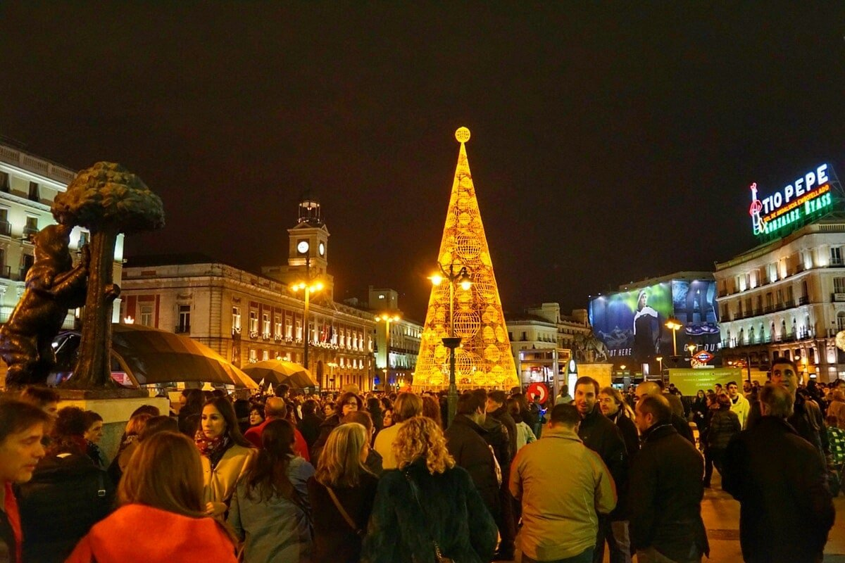 7 Lucky New Years Eve Traditions In Spain An Insiders Spain
