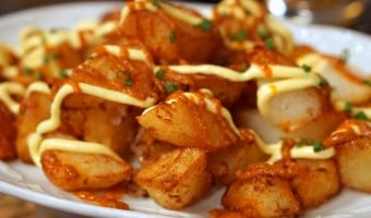 Patatas Bravas Recipe – Spanish Fried Potatoes with Spicy Sauce