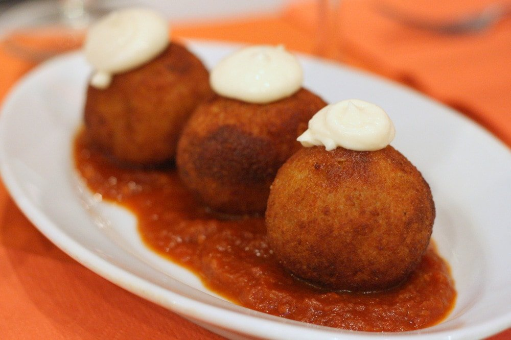 The best bombas in Barcelona, traditional Barcelona tapas on a tapas tour!