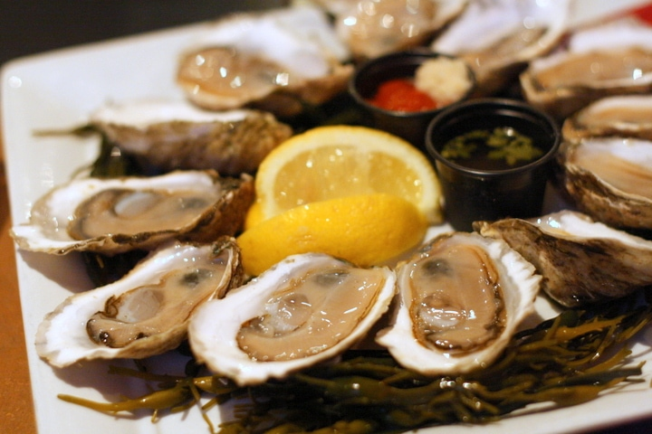 Juicy Wellfleet oysters