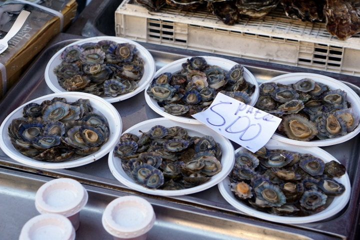 Limpets (sea snails) for sale in Catania.