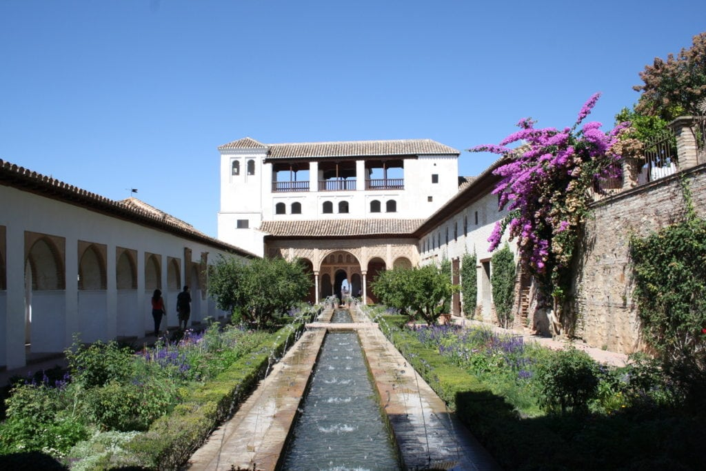 tips for visiting the Alhambra palace in Granada