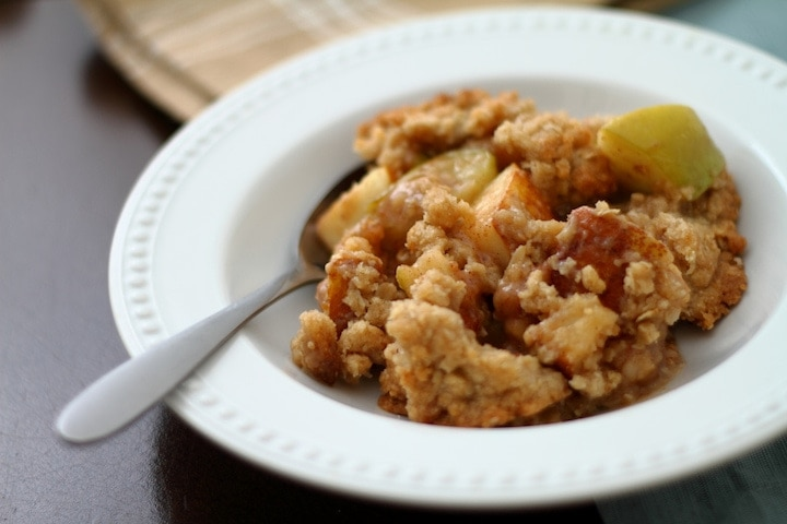 Best apple crisp recipe-- my mom's secret recipe!