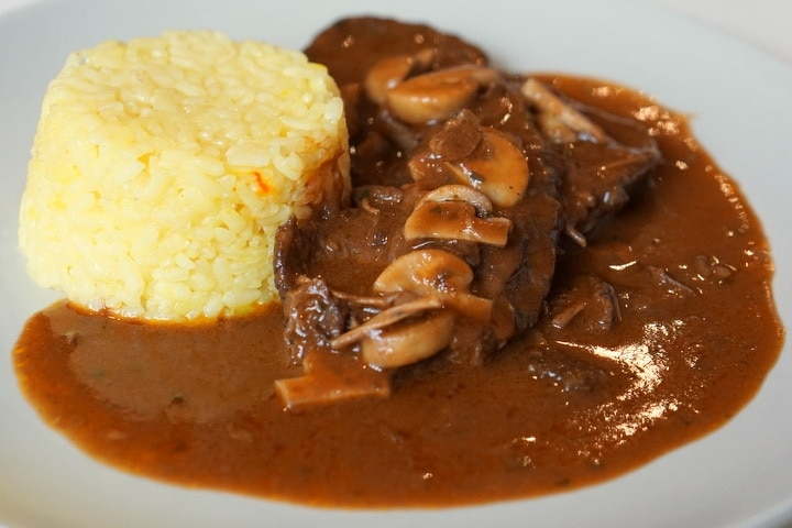 Fricandó recipe - delicious Catalan beef stew with mushrooms recipe