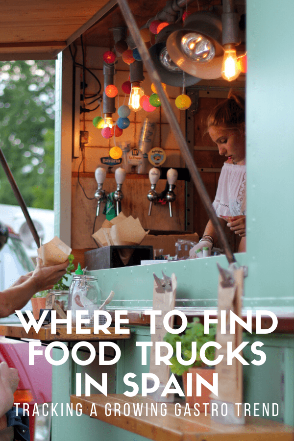 Food trucks are getting more and more common in big Spanish cities like Madrid and Barcelona. They serve up recipes from all over the world, and are a great way to sample everything from Spanish to international food! This guide explains everything you need to know about food trucks in Spain.