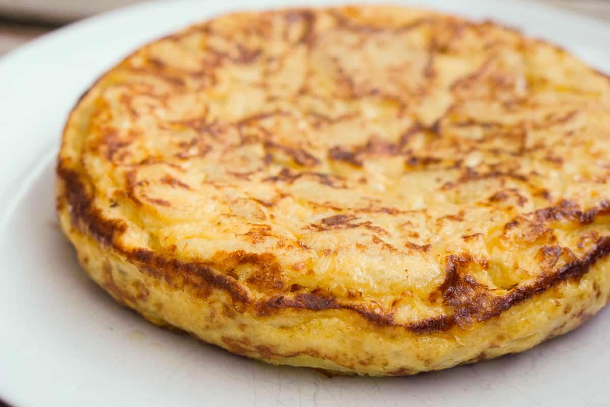 Full Spanish omelet ready to eat