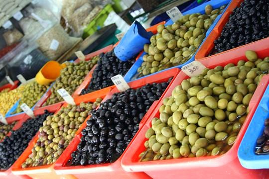 "6 Olive Varieties for People Who ""Don't Like Olives"" to Try!"