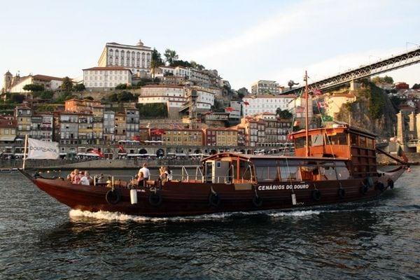 Cruise boat in Porto