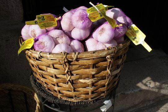 Garlic chinchon