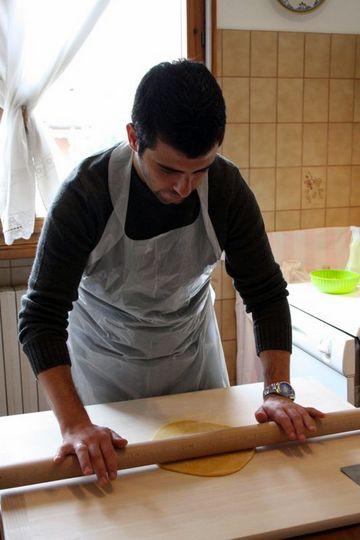 Ale rolls pasta dough