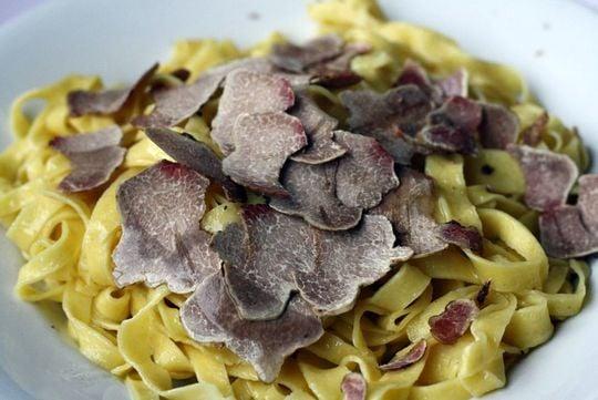 White truffle on pasta