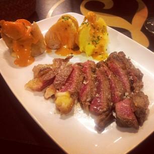 Savory seared beef at La Lumbrera.