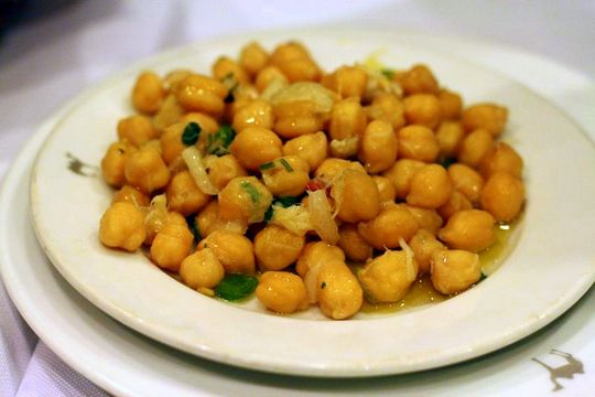 Garbanzos and cod