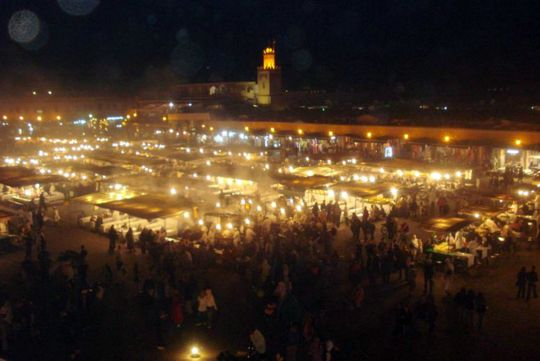 Pictures from Marrakesh: The square at night