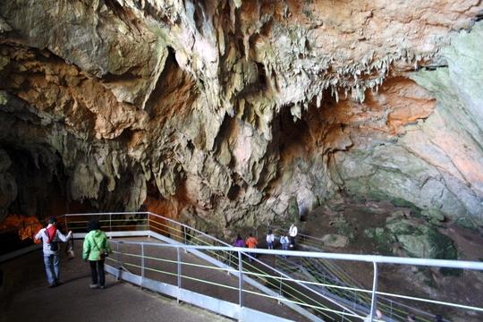 Cuevas mendukilo Navarra