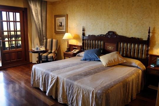 Hotel Elba Bedroom