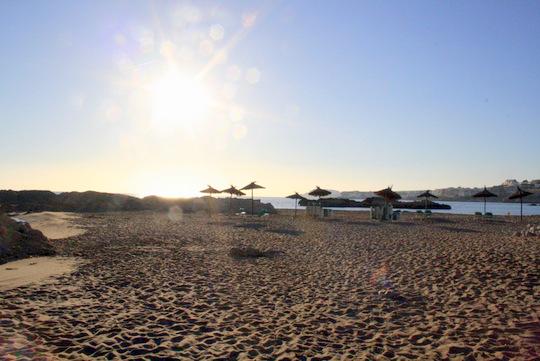 hostal empuries beach
