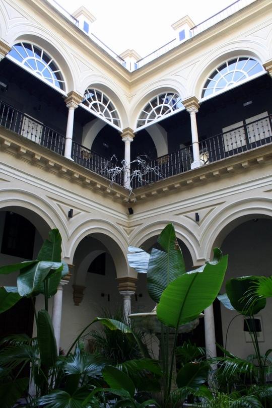Patio in Hotel Alma Sevilla