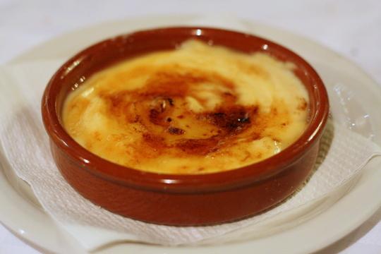 crema catalana traditional food in Barcelona