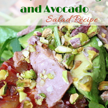 This Spanish salad recipe takes greens to a whole new level of delicious! This quick, easy and super healthy salad is my go-to plan for an fast dinner!