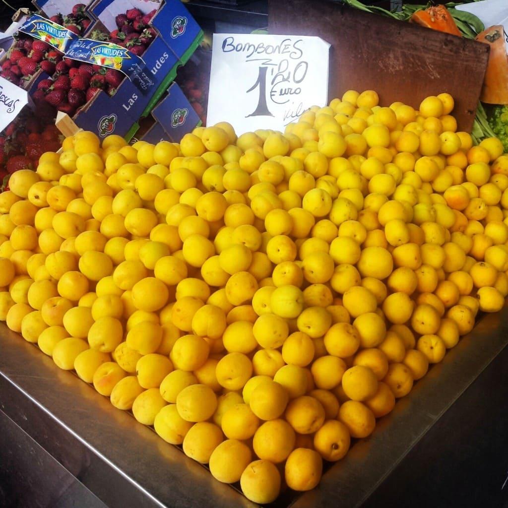 Peaches in Cadiz