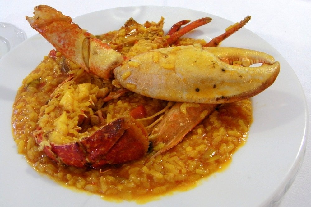 There are few foods in Spain that are more delightful on a cold winter day than arroz con bogavante.
