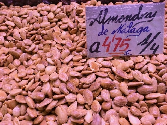Foods from Malaga that will surprise you : Almonds