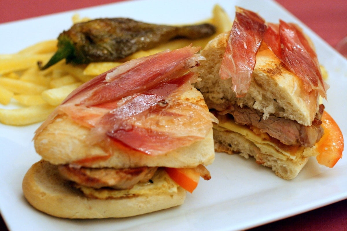 How do you say sandwiches in spanish
