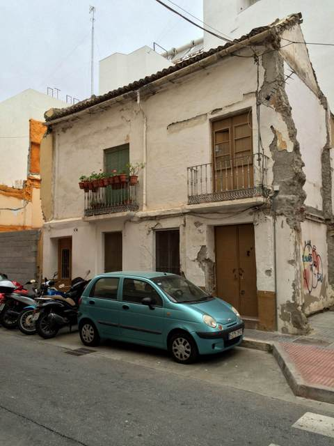 Neighborhoods in Malaga: El Perchel, house