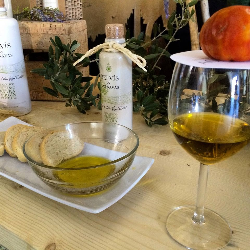 Extra Virgin Olive Oil makes a great Christmas gift from Malaga for any cook.