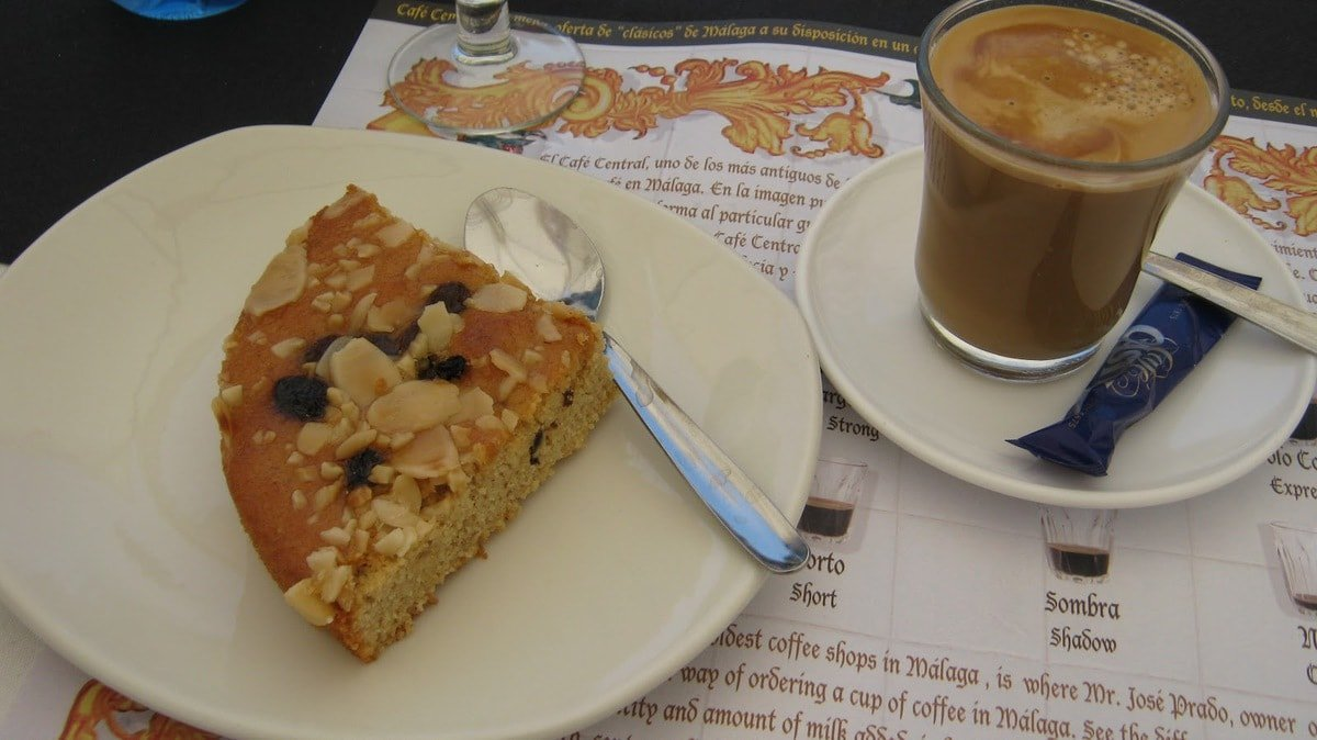 Typical Foods from Malaga: Tarta Malagueña