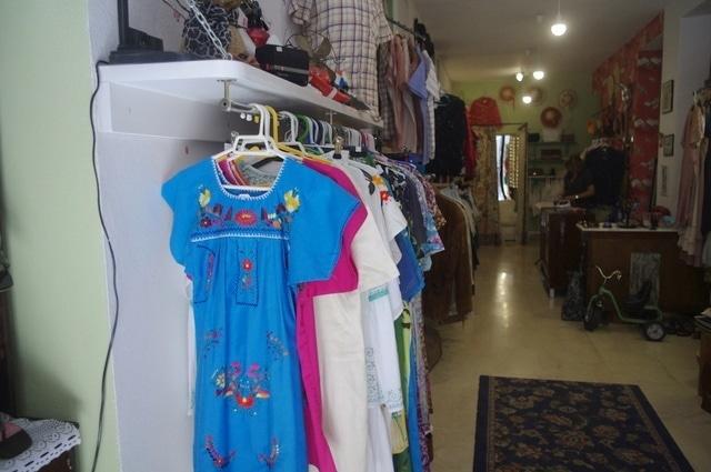A wonderful choice of vintage clothes in Malaga at Epoca Segunda Mano