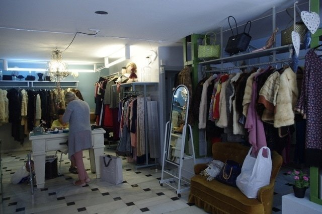 Beautiful vintage clothes in Malaga can be found at Entre Costuras