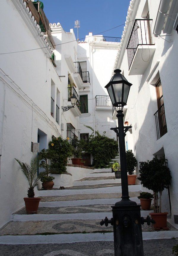 One of the romantic things to do in Malaga is get lost in a white village