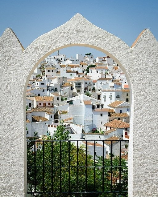 Comares is one of the most picturesque white villages in Malaga. This view point is one of the most photographed in the town!
