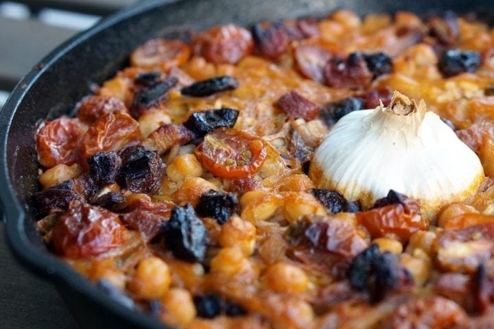 baked rice with garbanzos