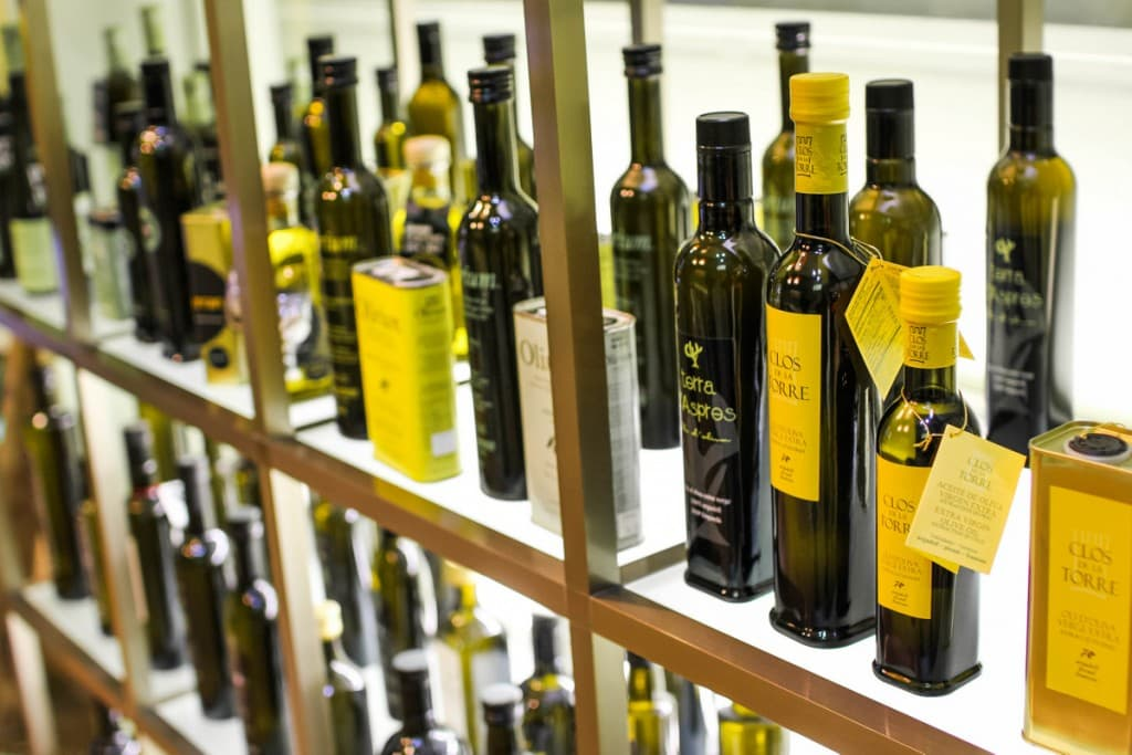 Olive oil tasting on a Devour Barcelona food tour!