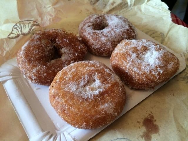 The best pastry shops in Malaga sell delicious roscos de azucar (sugar doughnuts)