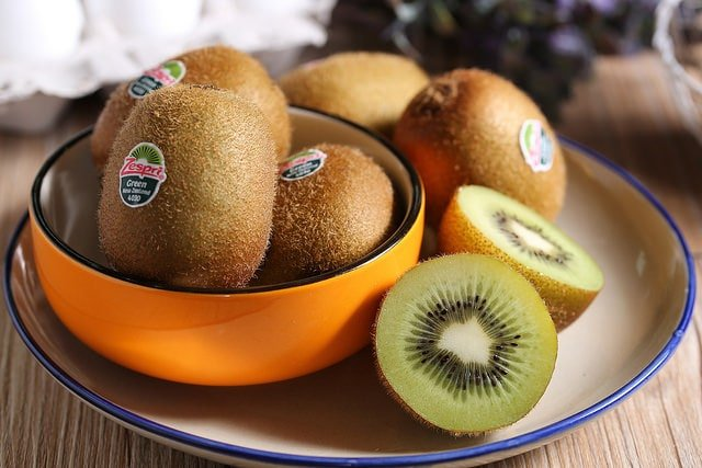 Kiwis in season in Spain in November