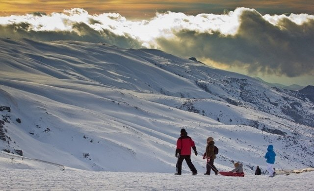 A great reason to visit Malaga in winter is the chance to stay by the beach, but also enjoy winter sports like skiing.